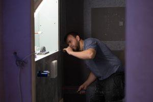 black_bathroom-11