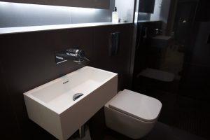 black_bathroom-19