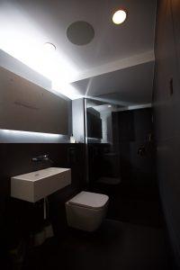 black_bathroom-21