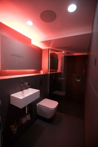 black_bathroom-22